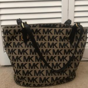 Michael Kors purse in black
